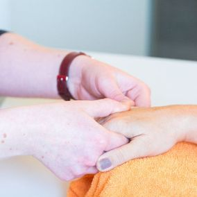 Massage der Hand